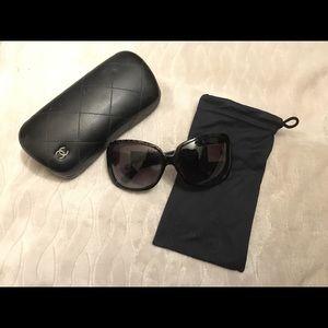 Authentic ! CHANEL lace rim sunglasses